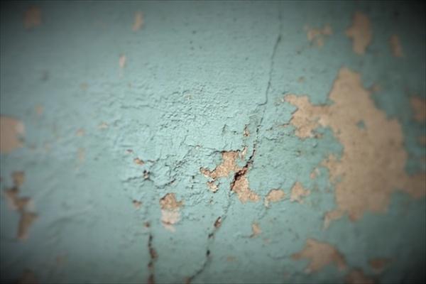 外壁塗装の本来の役割~ひび割れなどの症状が出る前に外壁塗装を~